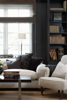 See this 10 classic home design ideas by Robert Couturier. A deeply learned alumnus of Paris's rigorous École Camondo school for design and architecture Living Room Decor Lights, Decor Home Living Room, New Living Room, Home And Living, Living Room Designs, Home Decor, Modern Living, Cozy Living, Mid Century Living Room