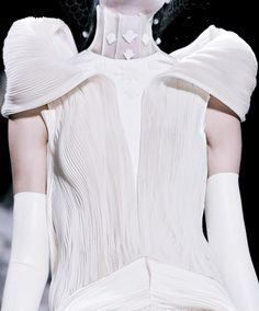 Sculptural Fashion - white dress with micro pleats & sculpted silhouette; artistic fashion // Thom Browne Spring 2014