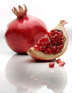 Pomegranate - contains anti-oxidants & vitamins for longer life!