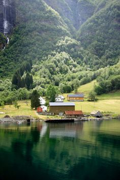 #Love travelling around Norway and its amazing fiords! Lake house, beautiful #nature #landscape, blue and emerald green water. Great tourism spot! Photography by Marta Cherednik.