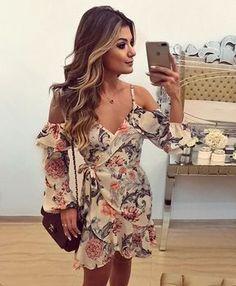 Instagram media by arianecanovas - Vestido @the_dresscode_ ♥️♥️ Estampa eu amo, ombros de fora e babados! Já disponível na loja online que envia para todo Brasil