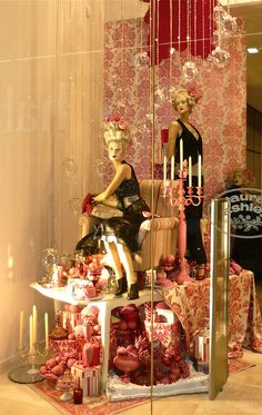 Laura Ashley | Marie Antoinette Xmas '08 Westfield.♥..¸¸.•♥•