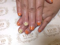#vividnailsalonsydney#calgel#sydney#nail#nails#nailart#geldesign#art#nalisalon#gelnail#japanesenailart#ネイル#ネイルアート#ジェルネイル#カルジェル#美甲#指甲#orange#simple#flower