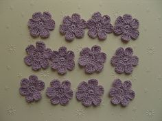 Fleurs au crochet, appliques, lot de 12, mauve : Ecussons, appliques par aux-fils-du-bocage