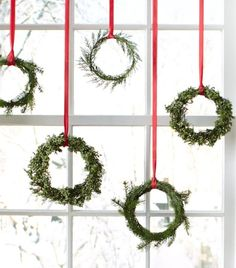 Swoon Worthy Christmas Wreaths www.thestyleemporium.com