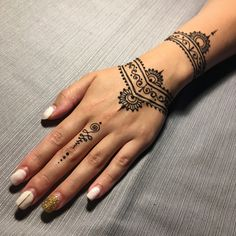 The Best Woman Tattoos - Henna Flower Designs, Henna Tattoo Designs Simple, Beautiful Henna Designs, Mehndi Designs For Hands, Tattoo Simple, Jagua Henna, Henna Tattoo Hand, Cute Henna Tattoos, Henna Body Art