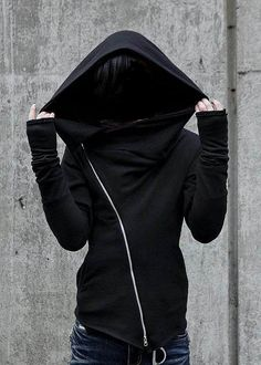 asymmetrical hooded sweatshirt.. Look at the zipper! I love zippers! And hoods if course :3