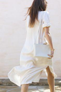 Love the simplicity of this Raquel Allegra dress.