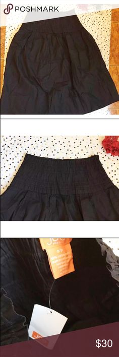 "Joe Fresh Small Black Mid-length Boho Skirt Size S Joe Fresh Small Black Mid-length Boho Skirt Size Small  Size: Small  Length:30""  Waist:14""(laying flat) it's stretchable  Check out my other items! Joe Fresh Skirts"