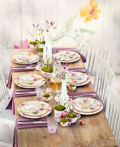 Mariefleur Basic collection, with hues of #lavender and #yellow for a spring setting | Villeroy & Boch