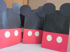 In Flight: Mickey Mouse Treat Bags Tutorial by Jenny from Embellishing Life + GIVEAWAY