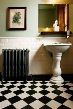 Bathroom Tile Chair Rail Height Inspirational I Love these Bevelled Metro Tiles and Victorian Style Black & White – Most Popular Modern Bathroom Design Ideas for 2019 Black And White Tiles Bathroom, Bathroom Flooring, Victorian Bathroom, Black Bathroom, Vintage Bathroom, Downstairs Bathroom, Black And White Tiles, White Bathroom, Bathroom Design