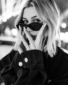 hailey baldwin, black and white, and style image Estilo Hailey Baldwin, Hailey Baldwin Updates, Hailey Baldwin Style, Haily Baldwin, Estilo Rihanna, Stephen Baldwin, Black And White Aesthetic, Instagram Girls, Disney Instagram