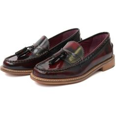 London Brogues Lucas Tassel Loafer Bordeaux ❤ liked on Polyvore featuring shoes, loafers, brogue shoes, tassel shoes, wingtip shoes, oxford shoes and bordeaux shoes