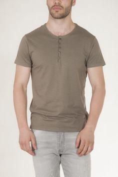 Κοντομάνικη μπλούζα χακί με κουμπιά στην λαιμολοψη αντρικό sorbino