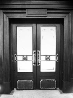 Doors to the House of Representatives chamber. http://mildenhall.moadoph.gov.au/photo/83