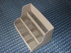 МК. Полочка из картона: дно и задняя стенка (30 × 18), боковинки (18 × 18), передняя панель (30 × 6), внутр. перекладины (30 × 10 и 30 × 8 см)