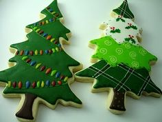 Wow.  My Christmas tree sugar cookies never turn out this fancy looking.