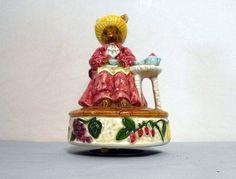 Vintage ceramic mousel Music box  otagiri music by ButNotForgotten
