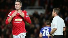 Van Persie celebrates after his dramatic equaliser rescued a point for Manchester United against league leaders Chelsea Chelsea Premier League, Official Manchester United Website, Van Persie, Football Love, Manchester England, Match Highlights, Free Kick, Old Trafford, Espn