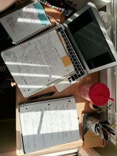 """Studyin' to be Succesin' - plannersandtea: """"Study set up for revising my art notes for my final tomorrow. Trig final later t - College Notes, School Notes, Study Organization, Study Journal, Study Space, Study Desk, Study Areas, School Study Tips, Study Hard"""
