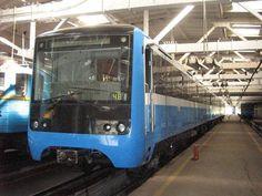 У Харкові презентували новий потяг для метрополітену #Україна #Ukraine http://www.hromadske.tv/society/kernes-prezentuvav-novii-potyag-dlya-kharkivskogo-/ …