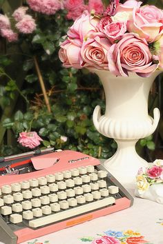 how much I hope I can have this lovely vintage pink typewriter:P
