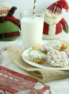 White Chocolate Candy Cane Macaroons [Gluten Free]