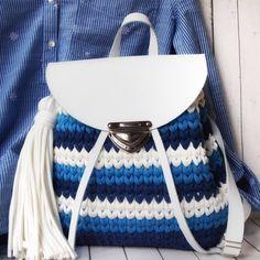 """2a22508e7cfc ... рабочий день расскажу о моих сумках и рюкзаках 👜🎒 1.Прелесть вязаных  сумочек в том, что вы выбираете цвет который нужен…"""" Вязаный рюкзак ручной  работы"""
