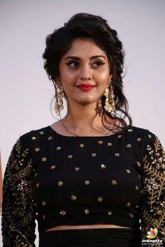 Surabhi Beautiful Girl Indian, Beautiful Girl Image, Beautiful Saree, Wedding Dress, Stylish Girls Photos, Tamil Actress Photos, Beautiful Bollywood Actress, Beauty Full Girl, Indian Beauty Saree