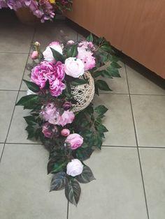 Grave Flowers, Spring Front Door Wreaths, Unique Drawings, Ikebana, Unique Tattoos, Flower Wall, Funeral, Floral Arrangements, Wedding Flowers