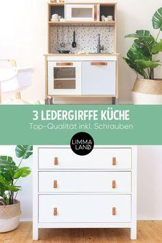 3er Set Ledergriffe passend für viele IKEA Möbel. Das wertet jedes  Möbelstück auf. Unsere hochwertigen Ledergriffe im 3er Set für die IKEA  DUKTIG Kinderküche oder eine Kommode. Mach mehr aus deinen Möbeln!  www.limmaland.com #ledergriffe #ikeahacks #ikeaduktig #duktig  #kinderzimmer #limmaland Baby Ikea, Ikea Hacks, Ab Sofort, Teenager, Table, Furniture, Home Decor, Kid Furniture, Organize Dresser