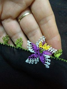 This Pin was discovered by ECE Embroidery Fashion, Hand Embroidery, Baby Knitting Patterns, Crochet Patterns, Crochet Unique, Needle Lace, Knitted Shawls, Knitting Socks, Crochet Flowers