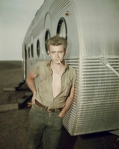 The original bad boy <3 James Dean