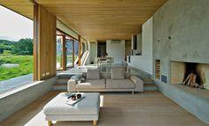 This cool cabin design by Norway architect Tommie Wilhelmsen is a treasure tucked away on an island. Overlooking the sea, this timber cabin features a Scandinavian Cabin, Scandinavian Architecture, Modern Architecture, Cabin Design, House Design, Norwegian House, Timber Cabin, Kabine, Outdoor Furniture Sets