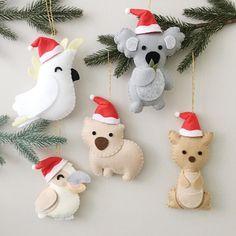 Australian Christmas Tree, Christmas Decorations Australian, Aussie Christmas, Handmade Christmas Decorations, Felt Decorations, Felt Christmas Ornaments, Christmas Diy, Diy Ornaments, Beaded Ornaments