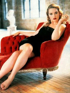 Kate Winslet (October 5, 1975) British actress and singer.