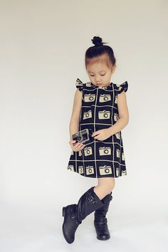 and ruffled sleeve dress made with Echino Cameras by Etsuko Furuya This was meant for my girls to wear! Little Girl Outfits, Little Girl Fashion, My Little Girl, My Baby Girl, Kids Outfits, Kids Fashion, Cute Outfits, Creation Couture, Mini Vestidos