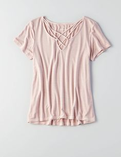 Shop the latest styles of T Shirts for Women at American Eagle. Our polo, short sleeve and long sleeve t shirts are comfortable, trendy, and a must-have for your closet. Fall Outfits, Casual Outfits, Cute Outfits, Fashion Outfits, Lace Up T Shirt, Love T Shirt, American Eagle T Shirts, Mens Outfitters, T Shirts For Women