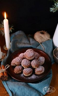 PLNĚNÉ OŘÍŠKY - Moje Jídlo Christmas Cookies, Sausage, Food And Drink, Chocolate, Cooking, Sweet, Desserts, Basket, Xmas Cookies