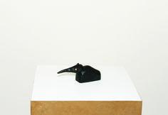 Cícero Alves dos Santos - Véio | O calango preto, 2014 | Tinta acrílica e madeira | 6,5 x 3,5 x 14 cm