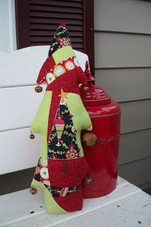 Moon Pie Primitives; Patchwork Christmas Tree