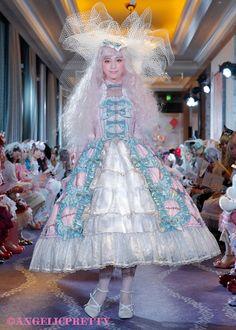 妖精をテーマにした美しいドレスにうっとり 令和最初の「Angelic Pretty」最新コレクション完全レポート (3/3) - ねとらぼ Pet Water Fountain, Angelic Pretty, Lolita Dress, Lolita Fashion, Harajuku, Cosplay, Dresses, Clothing, Style