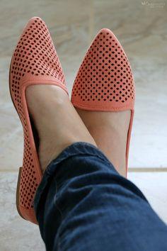 Stitch Fix MIA Esie Laser- Cut Flat Coral Shoes