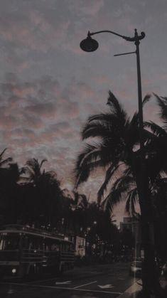 Black Wallpaper Siyah Duvar Ka tlar d Homescreen Wallpaper, Mood Wallpaper, Iphone Background Wallpaper, Dark Wallpaper, Retro Wallpaper Iphone, Black Aesthetic Wallpaper, Aesthetic Backgrounds, Aesthetic Iphone Wallpaper, Aesthetic Wallpapers