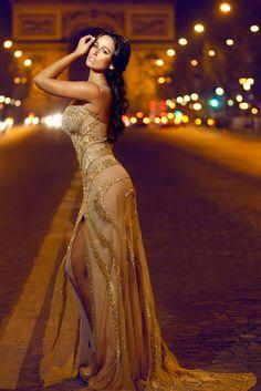 Micaela Oliveira-so pretty! Stunning Dresses, Beautiful Gowns, Elegant Dresses, Amazing Dresses, Gorgeous Dress, Katharine Hepburn, Kristen Bell, Diane Keaton, Zooey Deschanel