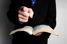 Christian hypocrisy is widespread in the church with the negative result of alienating unbelievers. Learn to avoid the sin of being a religious phony. Religion, Positive Psychology, Persecution, Names Of Jesus, Christian Life, Doa, Counseling, Childrens Books, Bible Studies