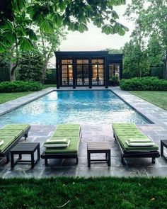 Swimming Pool Design Ideas is based on what can be done with the space in the backyard or garden. A backyard that is too big can be cramped; backyard big Beautiful Minimalist Swimming Pool Design Ideas In Backyard on Small Space on Budget Pool Spa, Building A Swimming Pool, Small Swimming Pools, Swimming Pools Backyard, Swimming Pool Designs, Nice Pools, Inground Pool Designs, Diy Pool, Backyard Pool Designs