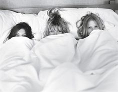 Morning of the wedding picture with your bridesmaids. Cute!