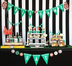 Super Bowl Football Party {party food ideas} Who's ready for some football? This party will provide lots of food inspiration to throw a successful Super Bowl… Football Themes, Football Parties, Superbowl Decor, Football Banquet, Table Football, Kid Parties, Football Food, Themed Parties, Football Birthday